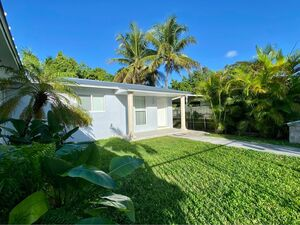 Adorable 3 bedroom 2 bathroom house for rent in Miami, FL