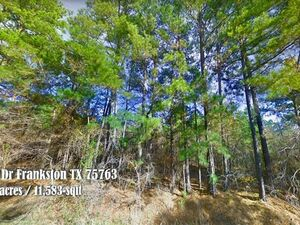 Peaceful, secluded and convenient, 0.27 Acre lot