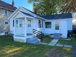 Nice 3 beds 1 baths house for rent in Rochester