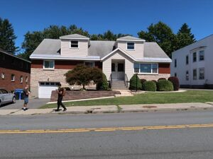 Lovely 3 Bedroom 1 Bath home for rent in Albany