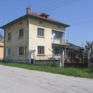 Nice and big property situated in a quiet and picturesque village 30 km away from Vratza,Bulgaria