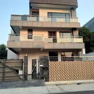 Lime Tree Service Apartment Noida
