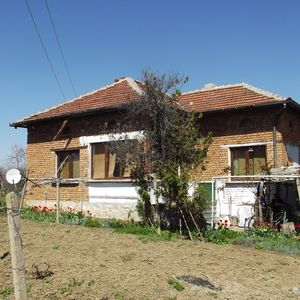 Rural property with vast yard and quiet location in Bulgaria