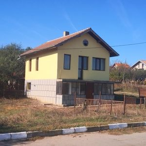 Discounted villa, with field,coast of Bulgaria. Pay monthly.