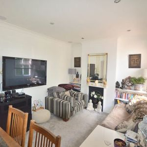 BEDROOM FLAT CLOSE TO AMENITIES FOR RET