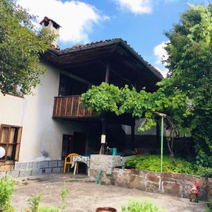 A traditional, well maintained house in the picturesque regi